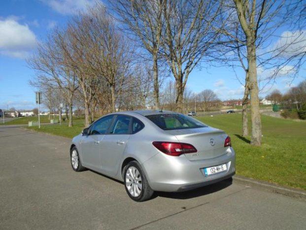 Opel Astra 2013 full