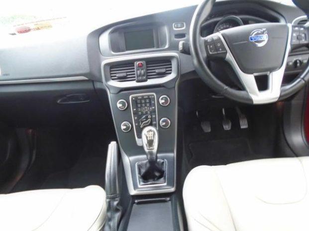 Volvo V40 2014 full