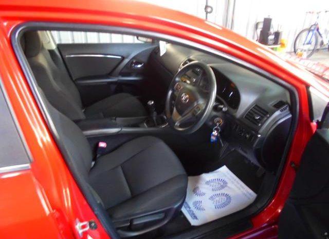 Toyota Avensis 2011 full