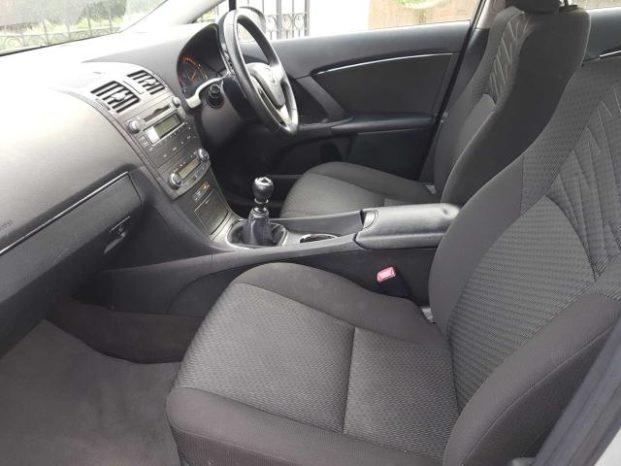 Toyota Avensis 2009 full