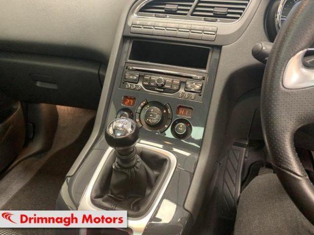 Peugeot 5008 2016 full