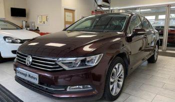 Volkswagen Passat 2015 full