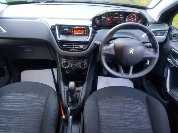 Peugeot 208 2018 full