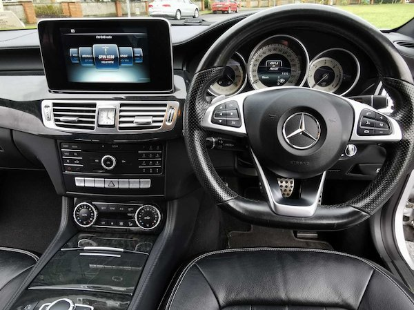 Mercedes-Benz CLS 220 2015 full