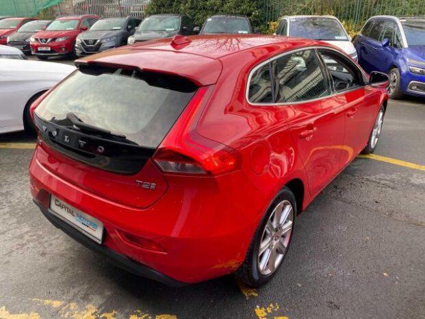 Volvo V40 2017 full