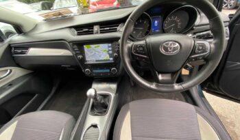 Toyota Avensis 2017 full