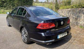 Volkswagen Passat 2012 full