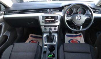 Volkswagen Passat 2016 full