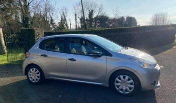 Peugeot 208 2014 full